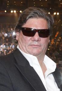 ARCHIV - Der Schauspieler Claude-Oliver Rudolph (Archivfoto vom 12.07.2008) ist wegen Verletzung der Unterhaltspflicht zu sechs Monaten Haft auf Bewährung verurteilt worden. Das Amtsgericht Frankfurt verurteilte den 52-Jährigen am Mittwoch (08.04.2009) in Abwesenheit. Laut Anklage war Rudolph zwischen 2007 und 2008 die Alimente-Zahlungen für seinen heute 13 Jahre alten Sohn schuldig geblieben. Rudolph hatte nach einem Vaterschaftstest 2007 die Vaterschaft zugegeben. Die Zahlungen von monatlich 340 Euro waren jedoch ausgeblieben. Foto: Marcus Brandt (dpa 0536 vom 08.04.2009) +++(c) dpa - Bildfunk+++